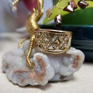 GOLD TONE CRYSTAL RING